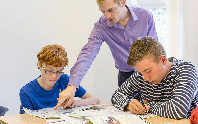 Die Kombination aus Lernen sowie tollen Sport- und Freizeitaktivitäten machen die Sprachreisen so attraktiv.